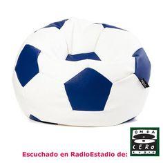 Puf Futbol 90 cm. No lo pienses más: con el Puff Fútbol atraerás a todos los amantes del deporte rey. En dos tamaños y ocho colores a elegir, también sirve para la decoración de eventos deportivos.
