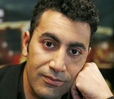 16-3-2014 Mohammed Benzakour wint E. du Perronprijs voor zijn roman Yemma. De prijs wordt uitgereikt voor bevordering van wederzijds begrip in de multiculturele samenleving.