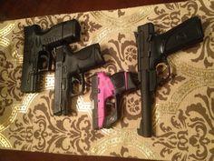My girls. Taurus TCP Smith & Wesson M and my fav.the Springfield XDM compact---STI elektra next! Smith & Wesson Bodyguard, Smith N Wesson, Xdm 40, 22lr, Zombie Apocalypse, Taurus, Hand Guns, Fingers, My Girl