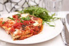 Deze te lekkere lasagnerolletjes met gehakt, spinazie en tomatensaus wordt zeker weten favoriet! Zeker weten bij groot en klein! Lees verder op BonApetit!