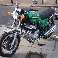 European Motorcycles, Vintage Motorcycles, Custom Motorcycles, Moped Motorcycle, Motorcycle Types, Honda Cbx, Chopper Bike, Old Bikes, Mini Bike