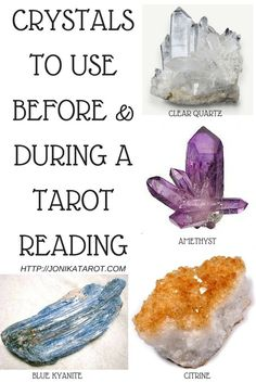 CRYSTALS TO USE BEFORE & DURING A TAROT READING