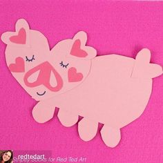 Have a go at this easy Paper Heart Pig Craft for Kids. These make the cutest of cute Valenitnes Cards or Valentines Craft Idea for Preschoolers. We love Paper Valentine's Crafts. Great Craft for The Year of the Pig too! Preschool Valentine Crafts, Pig Crafts, Ladybug Crafts, New Year's Crafts, Easy Crafts For Kids, Cute Crafts, Book Crafts, Paper Crafts, Unicorn Ornaments