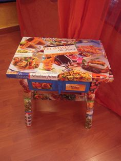 Wooden coffe table with food pictures decoupage (48x35x49). €60  Delivery cost depends on country of destination.