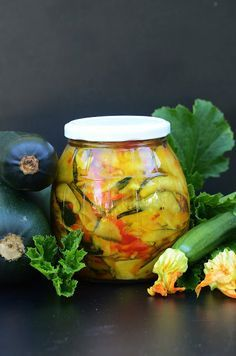 Garden Styles, Pickles, Cucumber, Projects To Try, Food And Drink, Gluten Free, Jar, Cooking, Canning