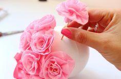 Cómo hacer bolas con rosas de papel   Blog de BabyCenter