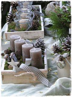Wonderful idea to create a creative christmas wreath /// Tolle Idee für einen a Noel Christmas, Christmas Candles, Christmas Centerpieces, Country Christmas, Winter Christmas, Christmas Wreaths, Christmas Ornaments, Advent Candles, Natural Christmas