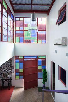 Decoração de: Hall; vidro colorido; Casa de Valentina