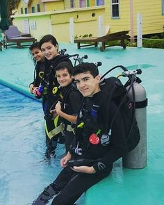 "31 Likes, 3 Comments - Royal Caribbean Resort (@royalcaribbeanresort) on Instagram: ""Royal Caribbean Resort's on-site scuba school @scubaschoolbelize is family owned and they love to…"""