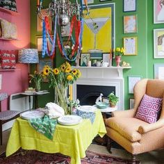 As well suited to spring as stripes, whites and flowers, Luke Edward Hall's fun and fresh illustrations channel a chic sunshine vibe. Hall Interior, Living Room Interior, Decor Interior Design, Interior Decorating, Living Room Plants, Bedroom Plants, Living Spaces, Wall Colors, House Colors