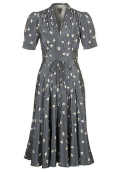 I want this 40's style tea-dress - AND a tea party! @Kelly Cornett