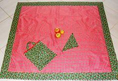 Kit composto por 1 toalha de mesa/picnic + 4 guardanapos de tecido + 1 sacolinha. Tecido xadrez e barrado tecido de joaninhas. Preço da toalha avulsa: 90,00 R$120,00