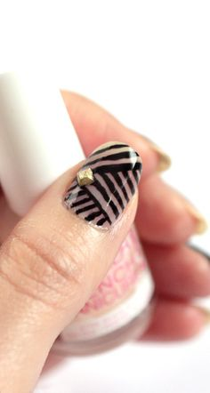 10 Sharpie Manicure Ideas | You Put It On
