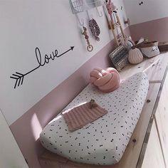 Muursticker Love arrow zwart - sticker voor babykamerdecoratie - My CMS Baby Bedroom, Baby Room Decor, Nursery Room, Girls Bedroom, Amber Room, Baby Zimmer, Kids And Parenting, Girl Room, Room Inspiration