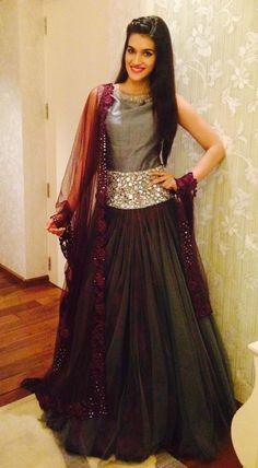 Kriti Sanon Celebrates Navratri in Surat