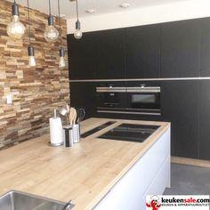 Opgeleverde keuken! Industrieel, landelijk, modern. Siemens apparatuur. Downdraft afzuigsysteem.   http://keukensale.com/vestiging-spijkenisse