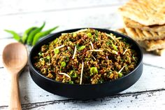 This authentic Indian minced meat Qeema recipe is so delicious, it'll become a regular at your house! Make it within 20 minutes! Mince Recipes, Spicy Recipes, Pork Recipes, Indian Food Recipes, Cooking Recipes, Healthy Recipes, Cooking Beef, Indian Foods, Curry Recipes