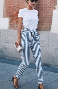 Gorgeous 69 Trendy and Casual Street Style Inspiration to Copy from https://www.fashionetter.com/2017/05/11/trendy-casual-street-style-inspiration-copy/