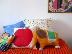 Cushions a beautiful way to add detail and character that jumps as you as you enter the room. And they're great if they're fluffy and cuddly Pillow Fight, Home Bedroom, Bedrooms, Children Photography, Photography Ideas, My Dream Home, Home Goods, Sewing Projects, Kids Room
