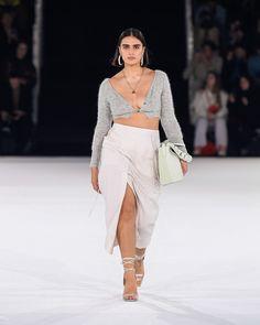 Couture Fashion, Runway Fashion, Fashion Models, Fashion Brands, High Fashion, Fashion Show, Luxury Fashion, Fashion Outfits, Fashion Design
