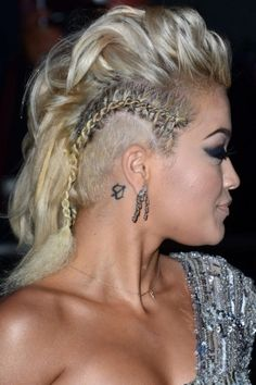 Plaits are *the* hair trend to work at the moment and we can see why. Check out the hottest celebrity plaits you should be working now. Mohawk Hairstyles For Women, Plaits Hairstyles, Cool Hairstyles, Undercut Natural Hair, Natural Hair Styles, Long Hair Styles, Kelly Osbourne, Rock Chic, Pretty Little Liars