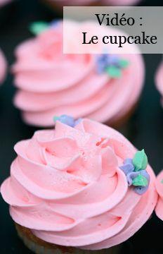 Vidéo recette : le cupcake framboise noix de coco de Synie's Cupcakes !! http://www.marieclairemaison.com/,video-recette-le-cupcake-framboise-noix-de-coco-de-synie-s-cupcakes,2570238,297700.asp?xtor=EPR-3