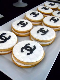 Designer Inspired Chanel Cookies, Chanel Sugar Cookies, Chanel Party Favor on… Chanel Birthday Party, Chanel Party, 30th Birthday, Dessert Table Birthday, Birthday Desserts, Dessert Tables, Birthday Cookies, Coco Chanel Cake, Chanel Cookies