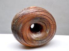 """Seung-Ho Yang , céramiste d'origine coréenne installé en France dans le Berry- """"Energie universelle """" - cuisson au feu de bois à 1300°"""