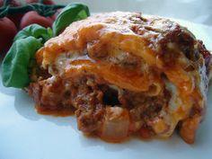 Oh yes! Dette var lasagnen sin det! Nå er jeg mett og salig etter den beste lavkarbolasagnen noensinne. Kors på halsen! Alt takket være lavk... Lchf, Healthy Snacks, Nom Nom, Food And Drink, Low Carb, Meat, Dinner, Ethnic Recipes, Lasagna