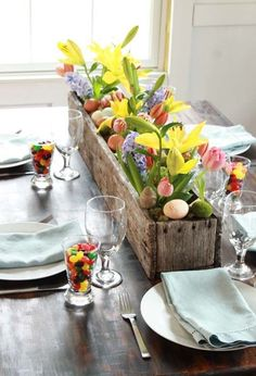 A perfect way to bring Spring into your home this Easter Weekend! What kind of plants or flowers, would you love to see on your Easter dining table?