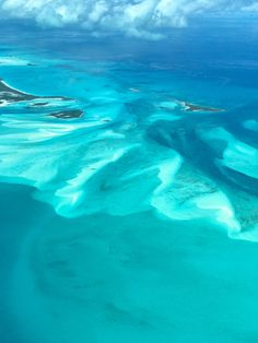 Aerial image captured near Hawksbill Cay in the Bahama Out Islands 🇧🇸