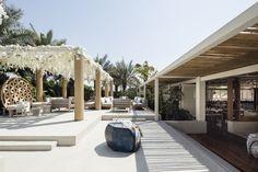 Restaurant Designs: El Chiringuito Ibiza, Dubai - Love That Design Ibiza Beach Club, Beach Cabana, Diy Outdoor Bar, Outdoor Rooms, Dubai, South Beach Hotels, Beach Resorts, Ibiza Fashion, Beach Bars