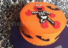 Halloween Elmo, buttercream cake with fondant decor. #Elmo #halloween www.sweetcoutures.com.mx