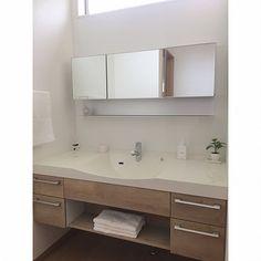 3LDKで、家族の、独立洗面室/ラシス/Panasonic/Panasonic洗面台/パナソニック 洗面台についてのインテリア実例。 「Panasonicの...」 (2017-01-14 14:05:44に共有されました) Washroom, Bathroom, House Rooms, Home Living Room, Modern Bathroom, Laundry In Bathroom, Minimalist Office, Modern Bathroom Vanity, Bathroom Design