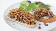 Got ground beef? Make 30-minute skillet beef and mushroom toasts
