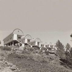 viviendas para gitanos . pontevedra .  pascuala campos y césar portela . 1970