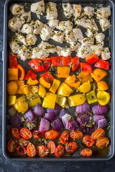 Sheet pan Roasted Greek chicken and veggies loaded with garlic and herbs. This healthy satisfyoing meal is made all in Sheet pan Roasted Greek chicken and veggies loaded with garlic and herbs. This healthy satisfyoing meal is made all in Chicken Pita, One Pan Chicken, Greek Chicken, Roasted Chicken, Baked Chicken And Veggies, Chicken Strips, Fast Metabolism Diet, Metabolic Diet, Healthy Meal Prep