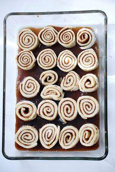 gluten free gooey cinnamon buns