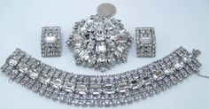 EXQUISITE HIGH END WEISS ICY RHINESTONE WIDE BRACELET, BROOCH & CLIP EARS ~@NR