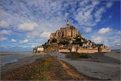 De Mont-Saint-Michel, een schiereiland in Normandië, de moeite waard om een keer heen te gaan!