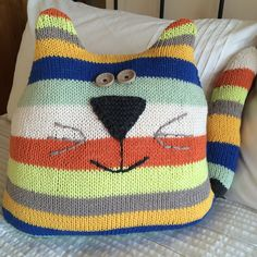 My daughter wanted a new cushion for the nursery, and as I had loads of Drops Love You 5 cotton yarn left over from the cot blanket  I deci...