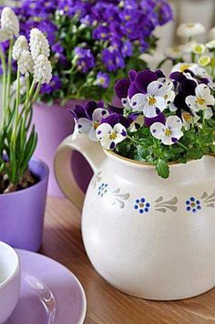Floristsinindia is a online shopping website. Which has a huge variety of gifts ,Flowers for Valentines Day in delhi , cakeand many more. All the Valentine gifts are unique and most beattiful. Flowers Arrangements are so beautiful. Our Florists work very hard to make this flower aggrangements. so hurry up and shop now!!! http://www.floristsinindia.com/valentine/Valentines-Flower-Combo