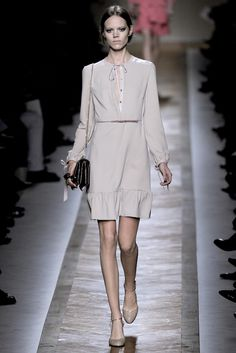 Valentino Spring 2011 Ready-to-Wear Collection Slideshow on Style.com
