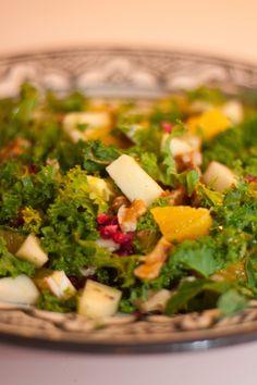 Grönkålsallad med apelsin och granatäpple Christmas Sweets, Seaweed Salad, Palak Paneer, Ethnic Recipes, Food, Drinks, Food Food, Essen, Yemek
