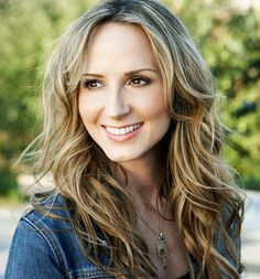 Check out Chely Wright on ReverbNation