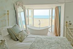 Watergate Bay - A special hotel with it's own beach and great sea views from the bath