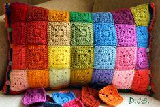 Crochet sunny cushion, inspired by Attic24.  http://truecolorsbycsilla.com