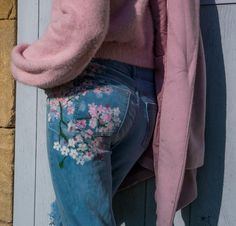 Painted trousers Trousers, Pants, Mom Jeans, Denim, Pretty, Jackets, Clothes, Fashion, Trouser Pants