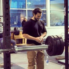 HOTTEST VOLUNTEER EVER. Added more details about Henry Cavill @ today's #Crossfit event in Detroit http://www.henrycavillnews.com/2014/02/henry-cavill-spotted-in-detroit.html?m=1