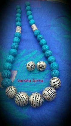 Bead Jewellery, Beaded Jewelry, Handmade Jewelry, Jewellery Making, Diy Jewelry, Beaded Necklace Patterns, Jewelry Patterns, Polymer Clay Necklace, Clay Earrings